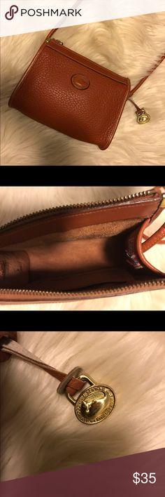 Downey & Burke cross bag Authentic Downey & Burke leather cross bag. Dooney & Bourke Bags Crossbody Bags
