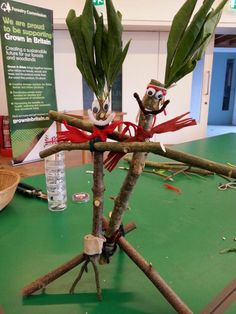 Stick Men made at Grizedale Forest, Cumbria by Sally Wiles. Autumn Crafts, Nature Crafts, Autumn Activities, Toddler Activities, Literacy Working Wall, School Projects, Projects To Try, Childminding Ideas, Story Sack