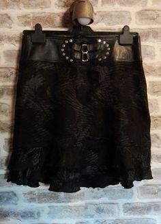 Kup mój przedmiot na #vintedpl http://www.vinted.pl/damska-odziez/spodnice/15577816-czarna-spodnica-skorzany-pas-s-stylowa-zakard