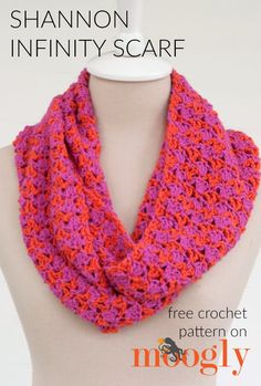 This year I had the pleasure of meeting Shannon Mullett-Bowlsby - amazing crochet designer and author. And his latest book, Crochet Geometry: Geometric Patterns to Fit and Flatter, has inspired the Shannon Infinity Scarf! Crochet Scarves, Crochet Shawl, Crochet Yarn, Crochet Clothes, Free Crochet, Crochet Flowers, Crotchet, Crochet Gifts, Crochet Things