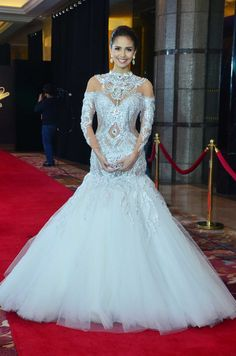Miss World 2013 Megan Young in a white gown by Leo Almodal at the Star Magic Ball. Photo by Nimfa Chua, ABS-CBNnews.com