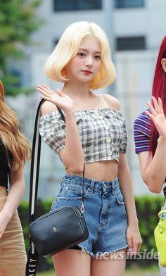 Cute Korean Girl, South Korean Girls, Korean Girl Groups, Asian Girl, Fashion Tag, Daily Fashion, Womens Fashion, Sweet Girls, Cute Girls