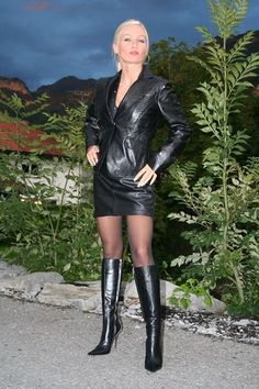 Sexy Outfits, Fall Outfits, Leather Boots, Black Leather, Leder Outfits, Leather Dresses, Leather Skirt, Great Legs, Sexy Boots