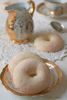 Italian Easter Cookies, Donuts, Biscotti Cookies, Sicilian Recipes, No Bake Cookies, Doughnut, Good Food, Baking, Desserts