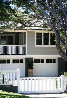 new houses and renovations. House Deck, Facade House, House Front, House Exteriors, Weatherboard Exterior, House Lift, Front Porch Design, Street House, Exterior House Colors