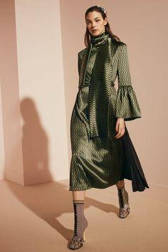 #Farbbberatung #Stilberatung #Farbenreich mit www.farben-reich.com Fendi Autumn/Winter 2017 Pre-Fall Collection | British Vogue
