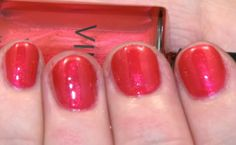 CND VINYLUX WEEKLY POLISH, HOT CHILIS. for summer!