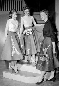 1950s Skirt History: Cirlce, Poodle, Pencil Styles. Poodle Skirts were not Just for Teens. http://www.vintagedancer.com/1950/1950s-fashion-history-skirts/