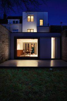 House W-DR is a minimal home designed by GRAUX & BAEYENS architecten.