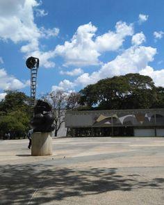 Ciudad Universitaria,  Rectorado  #UCV. Foto de @amendoza50
