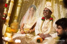 Ceylonese Wedding in Seremban: Jeewadas + Sivashni: http://www.emotioninpictures.com/ceylonese-wedding-seremban-jeewadas-sivashni