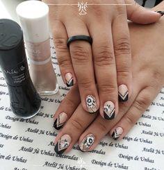 39 Ideias de Unhas Decoradas com Flores Rings For Men, Nails, Cristina, Beauty, Dark Nails, Nail Art Flowers, Silver Enamel, Lady Nails, Nail Manicure