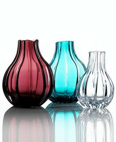 Burgundy glass vase -Villeroy & Boch Gifts, Signature Vase Collection in Mcys