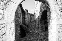 #Lizori- Là dove la Vita Vede #Pissignano #Campello #Clitunno #Umbria #Italy http://www.evoluptas.com/miracolo-contemporaneo/