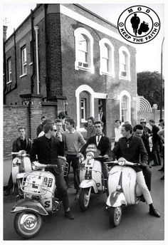 Celebrating the Mod culture Scooters Vespa, Lambretta Scooter, Motor Scooters, Vespa Bike, Mod Scooter, Scooter Girl, Mod Look, 60s Mod, Youth Culture