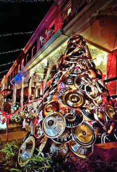 34th street in Hamden, Hon. A Baltimore tradition - the hubcap tree!