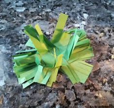 Craftrebella: Advent wreath 2018 - part 4 - Paper fringe star Advent Wreath, Old And New, Recycling, Herbs, Tapestry, Wreaths, Lifestyle, Stars, Knitting