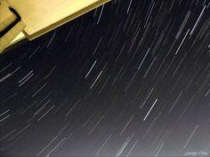 #Photocoelum Startrail 14 dicembre 2015 di Giuseppe Conzo. Il movimento delle stelle fotografato da Palidoro (Fiumicino) il 14 dicembre 2015. Somma di 72 scatti ad ISO-400 f/3.3 e durata 4 secondi ciascuna fatti con fotocamera Nikon Coolpix P510.