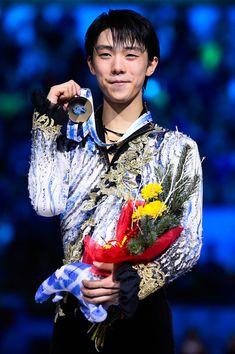 Yuzuru Hanyu Photos - ISU Grand Prix of Figure Skating Final 2014/2015 - Day Three - Zimbio