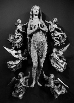 Tilman Riemenschneider: Mary Magdalene Surrounded by Angels (1490-95)