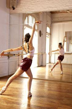 Ninette es una marca dirigida a todas aquellas mujeres que bailan, meditan, caminan la vida... Con indumentaria cómoda y a la moda con las últimas tendencias. Yoga, Ballet Skirt, Skirts, Fashion, Latest Trends, Dancing, Women, Moda, Skirt