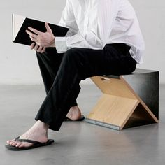 I love the sobriety of the steel stool prototype by Noon studio, created according to their philosophy of using honest materials and simplicity of execution.