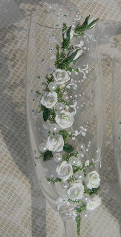 Wedding champagne glassesWedding toasting flutes by DecorEvgenia