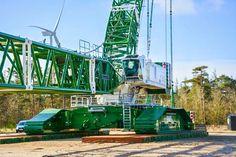 An LR 11350 goes to Denmark: The heavy duty crawler crane with a maximum load… Heavy Construction Equipment, Construction Machines, Heavy Equipment, Lego Crane, Crawler Crane, Oil Platform, Cement Mixers, Hydraulic Excavator, Crawler Tractor
