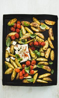 Uunifetaperunat | Maku Veggie Recipes, Wine Recipes, Vegetarian Recipes, Snack Recipes, Cooking Recipes, Healthy Recipes, Snacks, Food N, Food And Drink