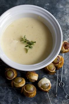 Traditional cheese fondue can pack 670 calories and 29 grams of fat per serving. This version comes in with just 227 calories and 10 grams of fat.