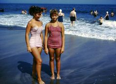 1950s Family Album, History Photos, Vintage Colors, Pageant, Tankini, Bathing Suits, 1950s, Black And White, American
