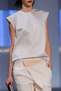 Helmut Lang Spring 2014 Ready-to-Wear Detail