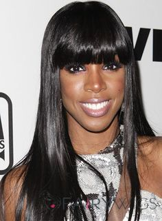 Whether you're going for a blunt bangs hairstyle or blunt haircut with bangs you need to check out this inspo before you book your appointment. Kelly Rowland Makeup, Kelly Rowland Style, Blunt Haircut, Blunt Bangs, Haircuts With Bangs, Hairstyles With Bangs, Bangs Hairstyle, Buy Wigs, Kelly Osbourne