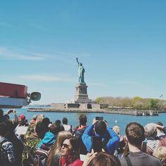 The arrival 🗽 • • • #statueofliberty #liberty #us #usa #america #newyork #ny #nyc #nycity #newyorkcity #manhattan #travel #traveling #traveler #travelgram #travelingram #nyphotography #nyph