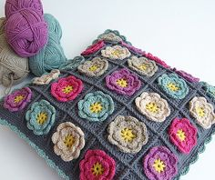Flower granny square pillow by dada's place, via Flickr