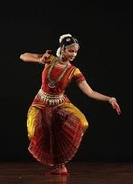 One of the eight forms of classical dance in India. I learned this for a term during my degree and have never had such tired forearms and feet. Such a beautiful form of storytelling Yoga Dance, Dance Poses, Dance Music, Indian Classical Dance, India Art, Dance Photography, Just Dance, Dance Costumes, Amazing India