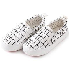 06a325cb1397 PETIT BARI Kids LowUp Classic Slip On Check Canvas Shoes White 33 M EU 1.52