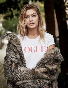 "m-a-g-n-e-t-i-c-e-y-e-s: ""Gigi Hadid - Vogue UK January 2016 issue, photographed by Patrick Demarchelier. Rihanna, Style Gigi Hadid, Patrick Demarchelier, Cindy Kimberly, Vogue Uk, Gigi Vogue, Vogue 2016, Vogue Russia, Vogue Covers"