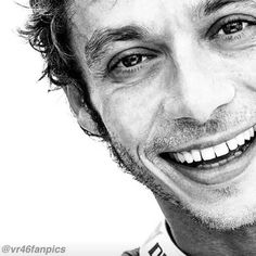 Valentino Rossi Plus Valentino Rossi Helmet, Motogp Valentino Rossi, Valentino Rossi 46, Hummer, Velentino Rossi, Nicky Hayden, Motorcycle Racers, Vr46, Motosport