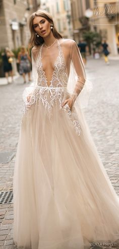 BERTA PRIVEÉ 2019 Wedding Dress Collection features impossible glamour and divine sophistication in the form of magnificent bridal couture. Beige Wedding Dress, Maxi Dress Wedding, Bridal Dresses, Dresses Dresses, Wedding Dressses, Wedding Gowns, Wedding Cakes, Princess Bridal, Glamour