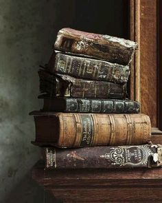 """""""I breathed the book before I saw it; tasted the book before I read it."""" ―Paul Harding,Tinkers"""