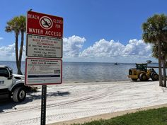 Gov. DeSantis Urged to Declare State of Emergency Due to Red Tide Hundreds of Tons of Dead Marine Animals Have Been Collected From Tampa Bay, Including Six Manatees Environmental Degradation, Environmental Issues, Sarasota Bay, Tampa Bay, Marine Ecosystem, Water Quality, Water Systems, Marine Life, Conservation