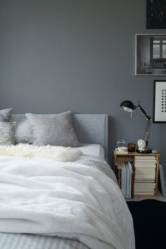Graue Wandfarbe Kombiniert Mit Spiegel Als Deko Im Wohnzimmer | Wohnzimmer  Grau Oder Weiß ° Living Room Grey Or White ° Woonkamer Grijs Or Wit |  Pinterest ...