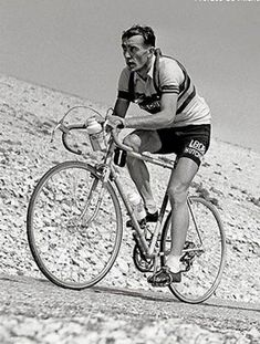 1955 Tour de France, Louison Bobet wearing the World Championship Jersey specially made by Castelli