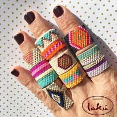 off loom beading techniques Bead Loom Bracelets, Beaded Bracelet Patterns, Bead Loom Patterns, Jewelry Patterns, Beading Patterns, Beading Ideas, Bead Embroidery Jewelry, Fabric Jewelry, Beaded Embroidery