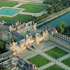 Aerial view of beautiful Fontainebleau!