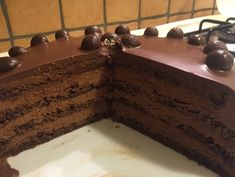 Paganini torta by Dvazen Torte Recepti, Kolaci I Torte, Cupcake Recipes, Baking Recipes, Dessert Recipes, Chocolate Caramels, Chocolate Desserts, Mini Cakes, Cupcake Cakes