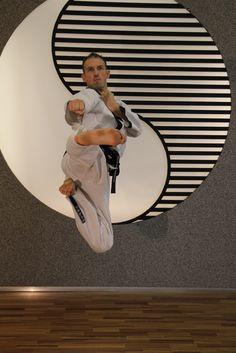 Taekwondo Wien, Kampfkunst und Kampfsport in Wien, Selbstverteidigung in Wien – Systemleiter Taekwondo, Free Time, Custom Design, Lovers, Gifts, Self Defense, Combat Sport, Kunst, Presents