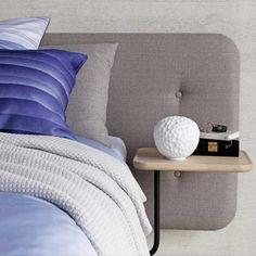 Combo Design is officieel dealer van Artemide.  ✓ Met tafellamp makkelijk bestellen ✓ Gratis verzending (NL) ✓ Altijd de beste prijs ✓ Deskundig advies ✓ Bed Pillows, Pillow Cases, Table, Furniture, Interiors, Design, Home Decor, Pillows, Decoration Home