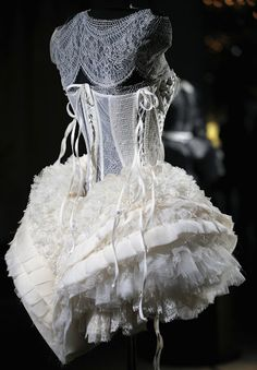 delicious corset and a plethora of lace ruffles - home-biba blogspot